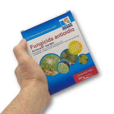 ARMICARB contra oidio y botritis en viñedo